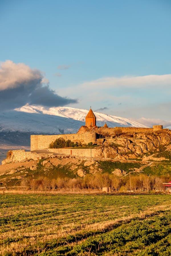 Oud klooster voor berg royalty-vrije stock fotografie