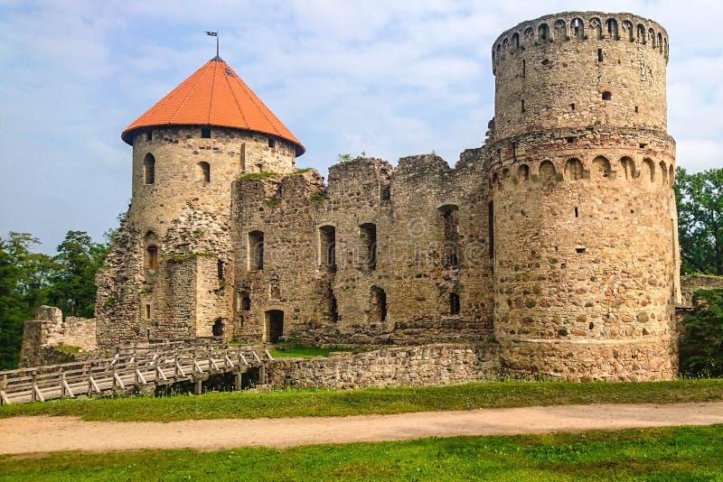 Oud kruisvaarderskasteel in Cesis, Letland stock foto