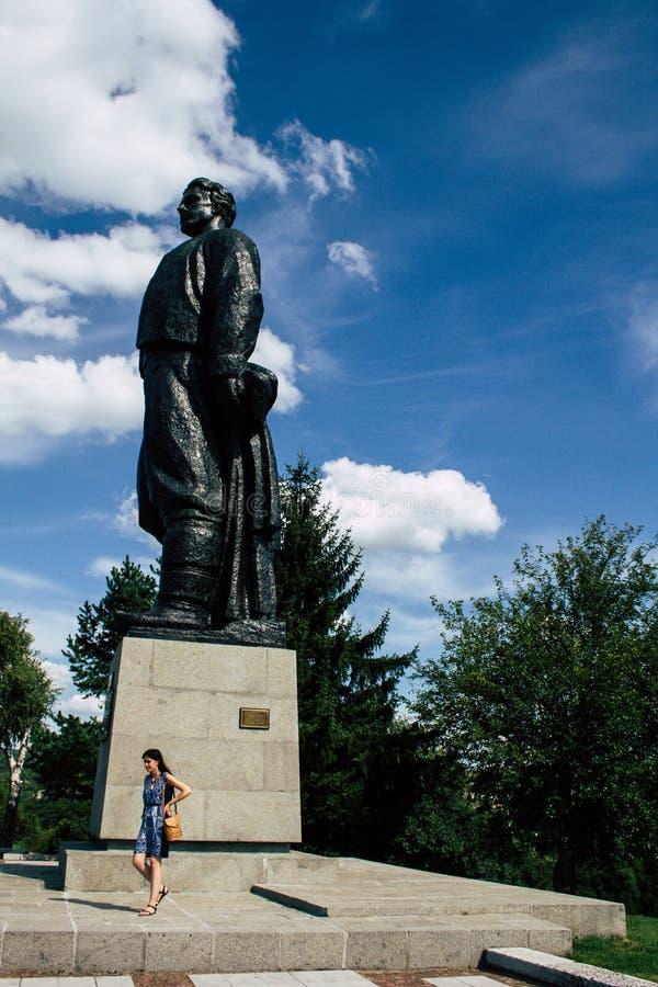 Oud Monument van een Bulgaarse Held Vasil Levski in een klein Dorp van Lovech, Bulgarije royalty-vrije stock foto's