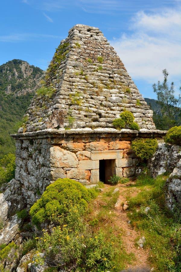 Oud monumentaal graf in Turgut-dorp dichtbij Marmaris-toevlucht t royalty-vrije stock foto's