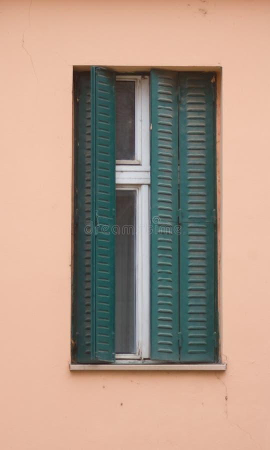 Oud mooi venster stock fotografie