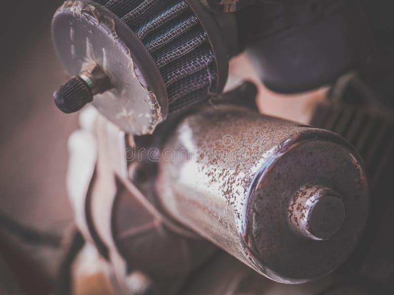 Oud motor van een autodetail royalty-vrije stock foto