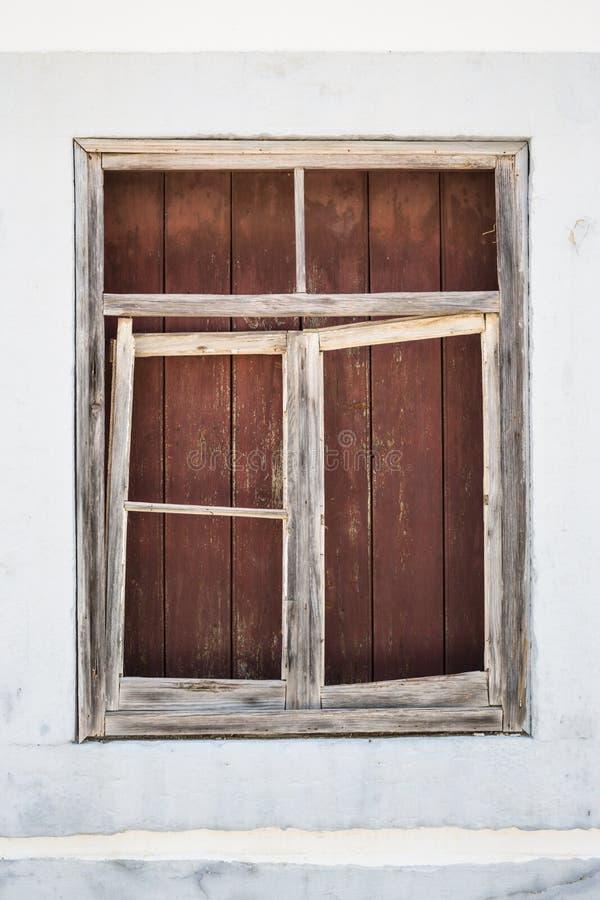 Oud omhoog ingescheept houtraamkozijn royalty-vrije stock fotografie