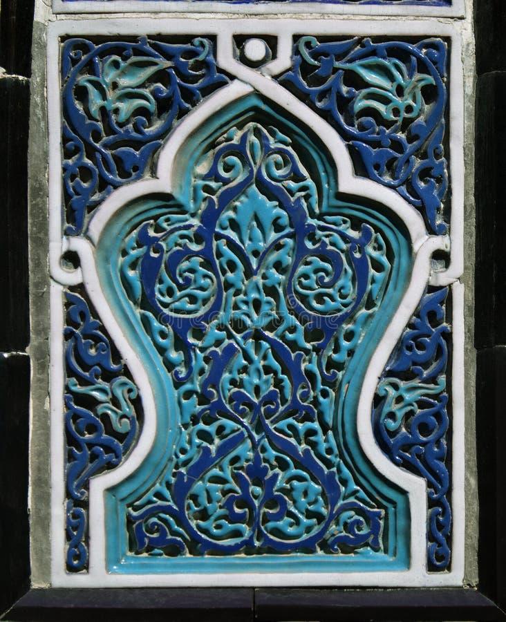 Oud Oostelijk mozaïek op de muur, Oezbekistan royalty-vrije stock afbeeldingen