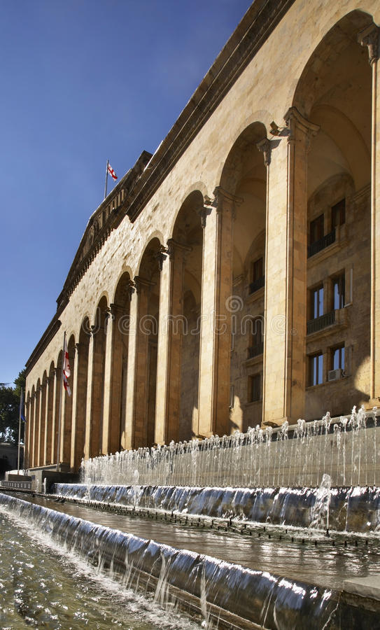 Oud Parlementsgebouw in Tbilisi georgië royalty-vrije stock fotografie