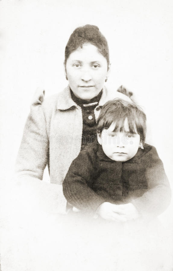 Oud portret van moeder en dochter royalty-vrije stock foto