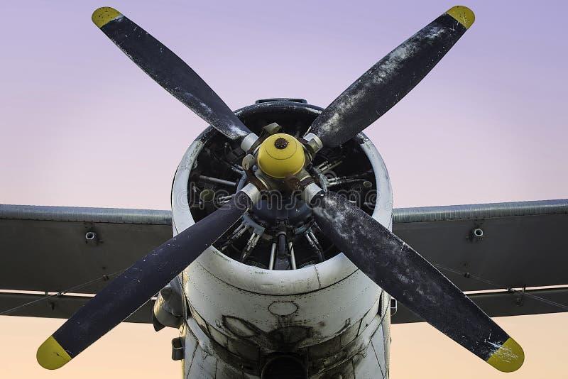 Oud propellervliegtuig stock foto's