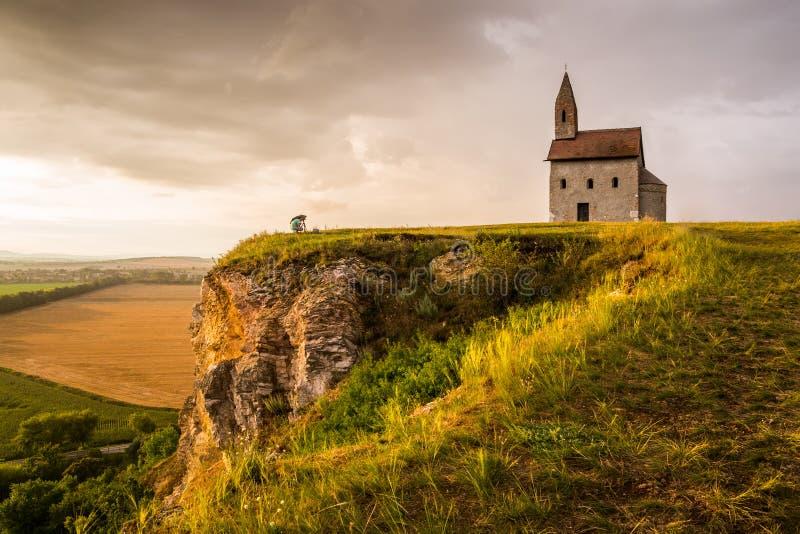 Oud Roman Church in Drazovce, Slowakije stock afbeeldingen
