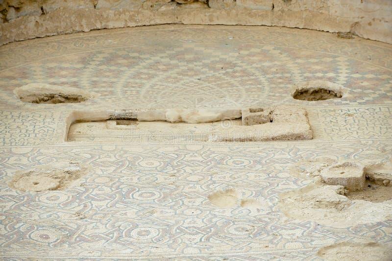 Oud Roman vloermoza?ek in de Heilige Stevens Church bij een archeologische plaats in Umm AR-Rasas, Jordani? royalty-vrije stock foto