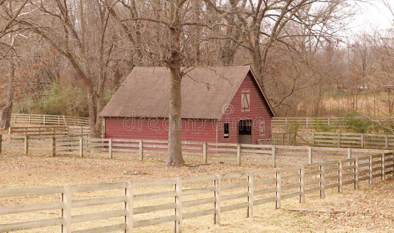 Oud Schuurhuis in Landelijk Tennessee royalty-vrije stock afbeeldingen