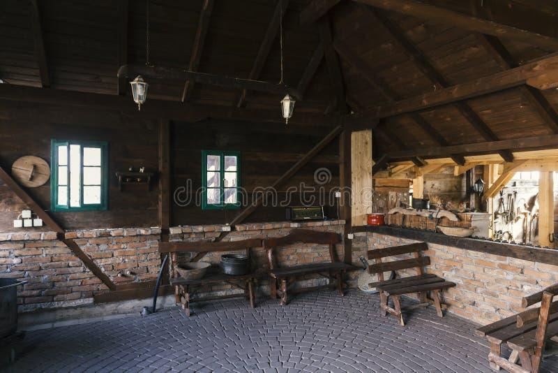 Oud Servisch huisbinnenland royalty-vrije stock fotografie