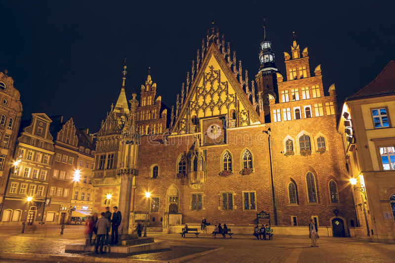 Oud Stadhuis in Wroclaw, nachtmening stock foto's
