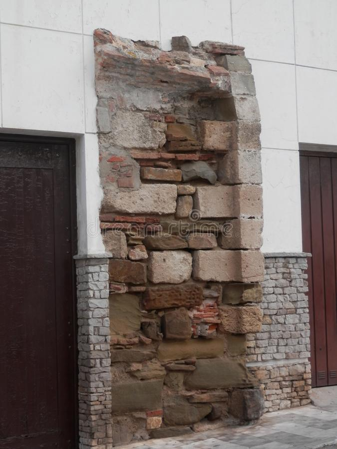 Oud stadsvestingwerk in Tarifa stock afbeeldingen