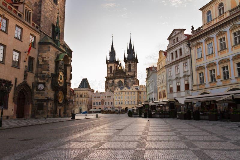 Oud stadsvierkant met stadhuis van Praag royalty-vrije stock fotografie
