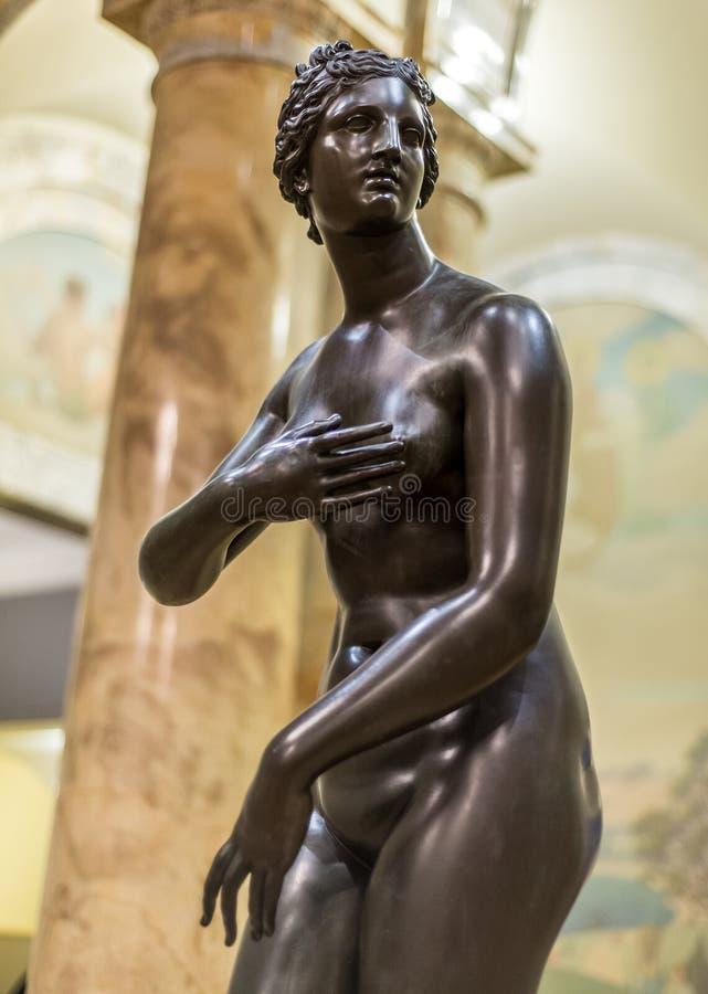 Oud Standbeeld van Roman Woman royalty-vrije stock afbeelding