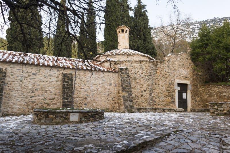 Oud steen byzantijns klooster in Kaisariani, Athene, Griekenland stock foto