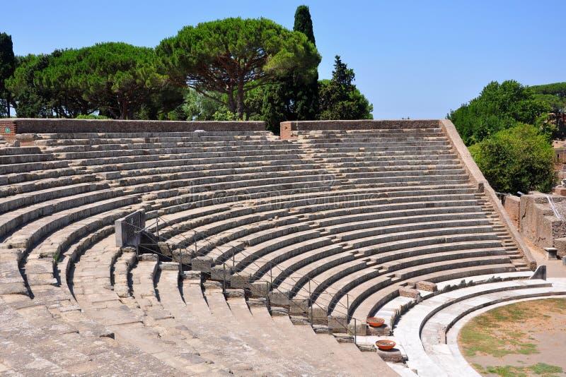 Oud theater in Ostia Antica stock afbeelding