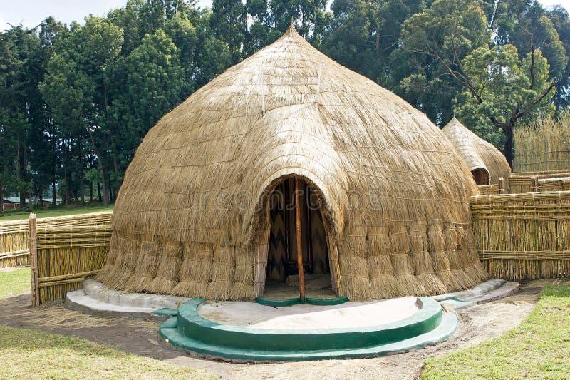Oud traditioneel dorp van Rwanda stock afbeeldingen