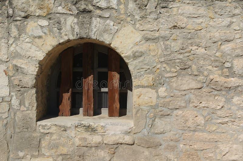 Oud venster in Alamo stock fotografie