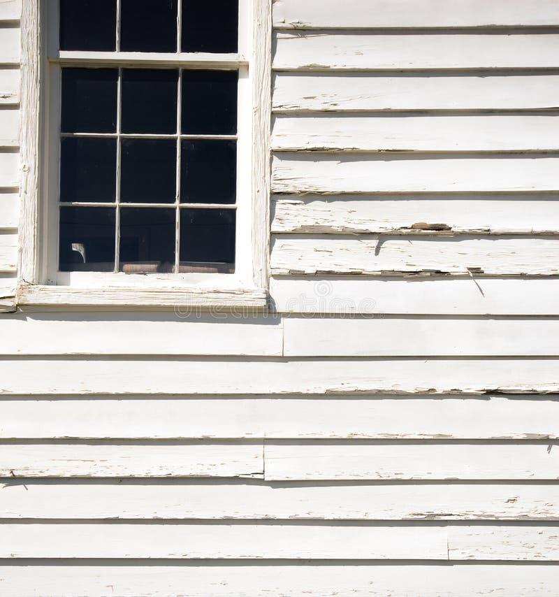 Oud verzakkend venster royalty-vrije stock afbeeldingen