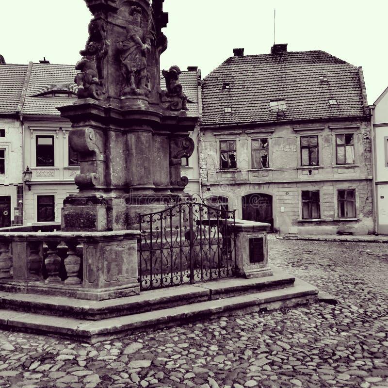 Oud vierkant in historische stad royalty-vrije stock foto's