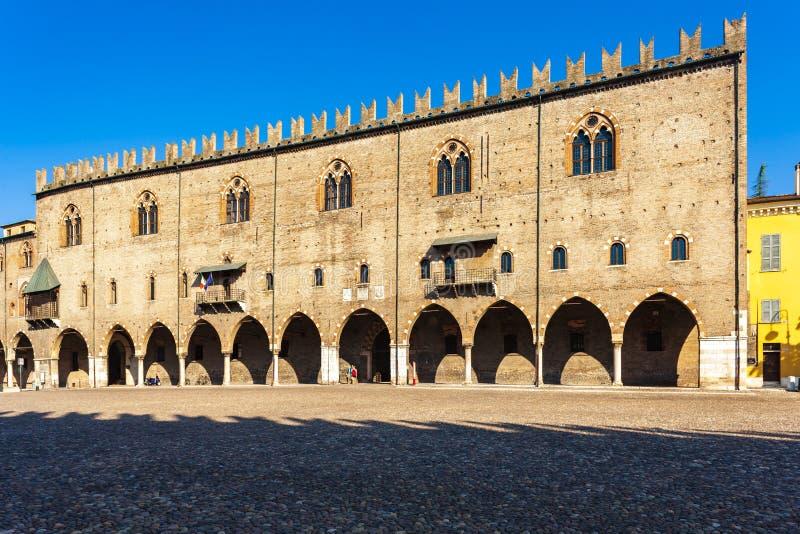 Oud vierkant in Mantova, Itali? royalty-vrije stock afbeeldingen