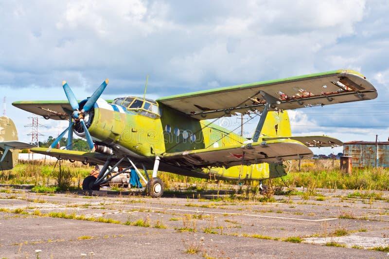 Oud vliegtuig royalty-vrije stock foto's