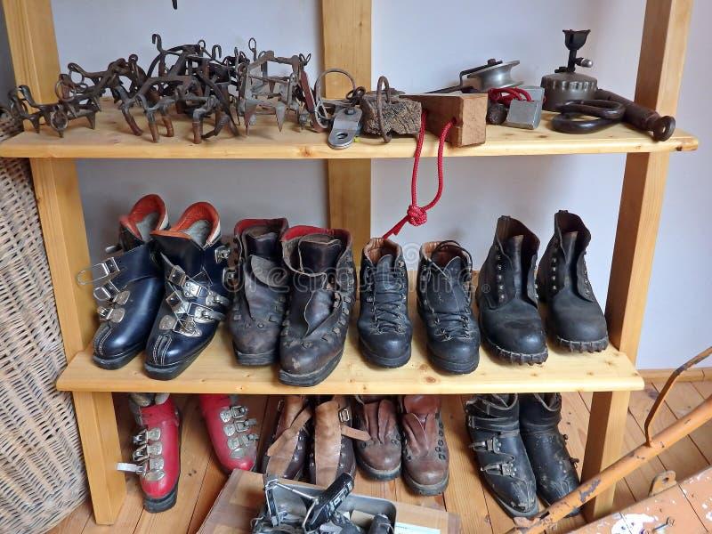 Oud wandelingsmateriaal stock foto