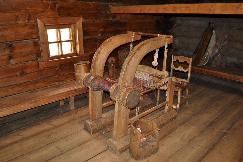 Oud weefgetouw voor stof productie stock foto