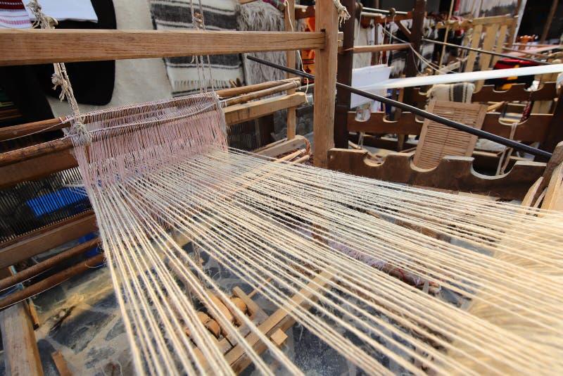 Oud wevend weefgetouw stock fotografie