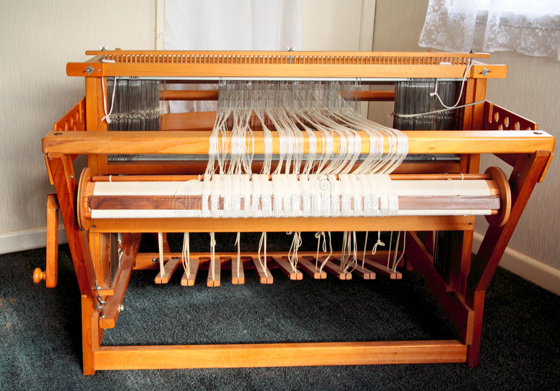 Oud wevend weefgetouw van vooraan stock afbeeldingen