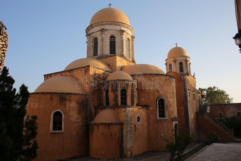 Oude Abbey Moni Agia Triada op het Eiland van Kreta, Griekenland stock afbeelding