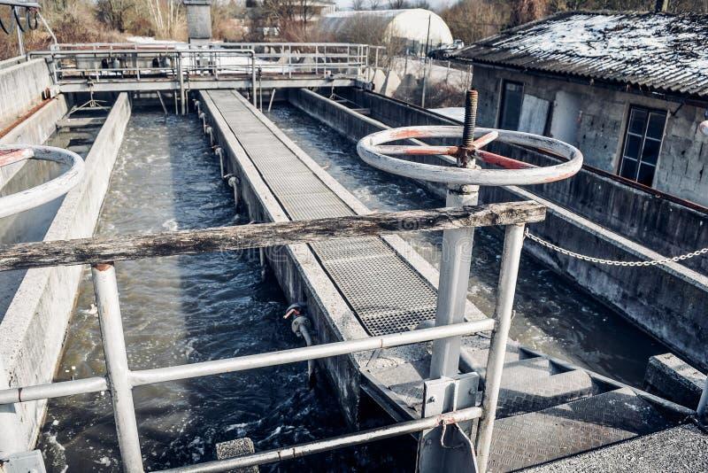 Oude Afvalwaterzuiveringsinstallatie royalty-vrije stock afbeeldingen