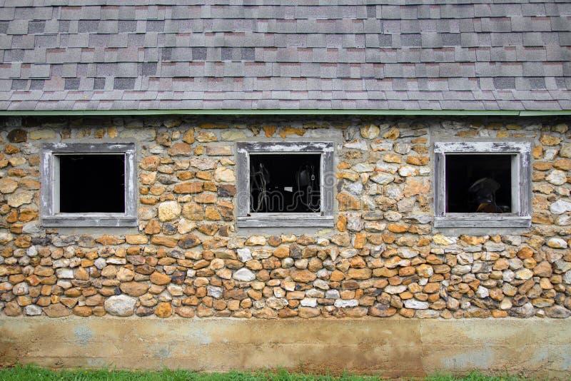 Oude Amish-rotsschuur royalty-vrije stock afbeeldingen