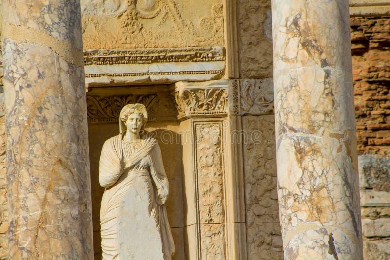 Oude antieke stad van Efes, Ephesus-bibliotheekruïne in Turkije stock foto
