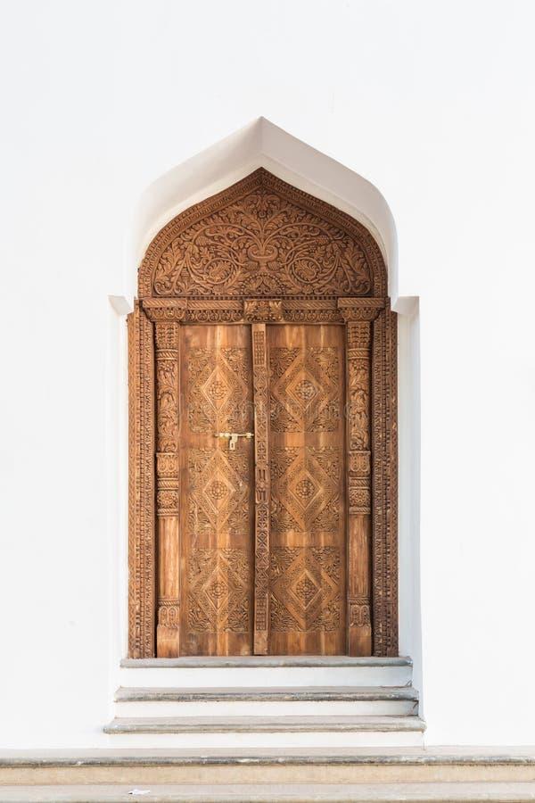 Oude Arabische deur in Marokko royalty-vrije stock foto