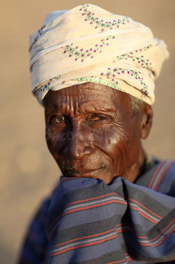 Oude Arbore-mens in Lagere Omo-Vallei, Ethiopië stock afbeelding