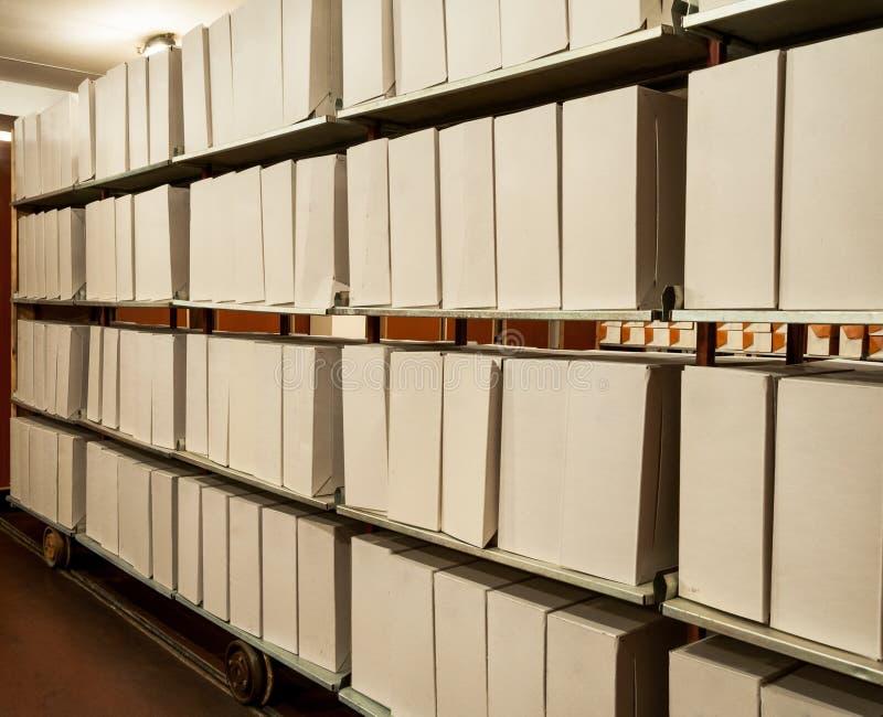 Oude archiefdossiers stock afbeeldingen
