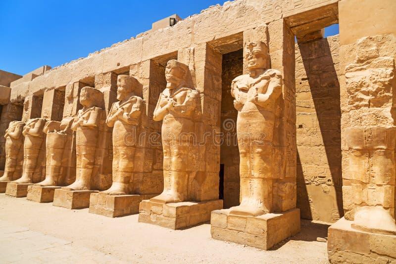 Oude architectuur van Karnak-tempel in Luxor royalty-vrije stock afbeelding