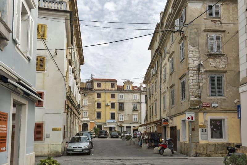 Oude architectuur van Piran, Slovenië stock afbeeldingen