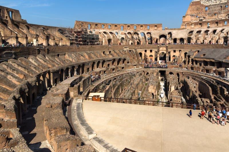 Oude arena van gladiator Colosseum in stad van Rome, Italië stock foto