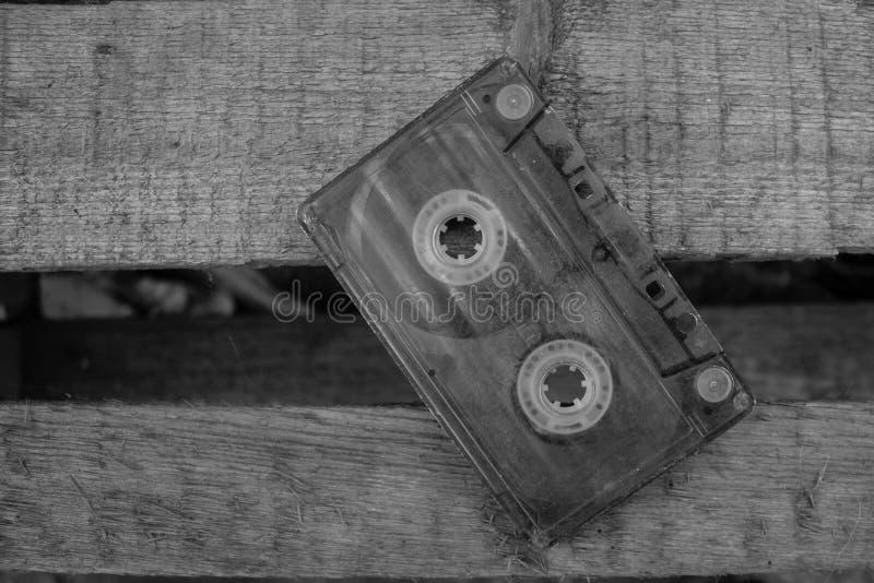 Oude audiocassette voor bandrecorder stock foto's