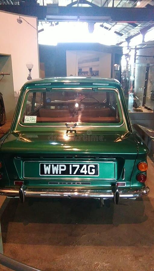 Oude auto in een museum royalty-vrije stock afbeelding