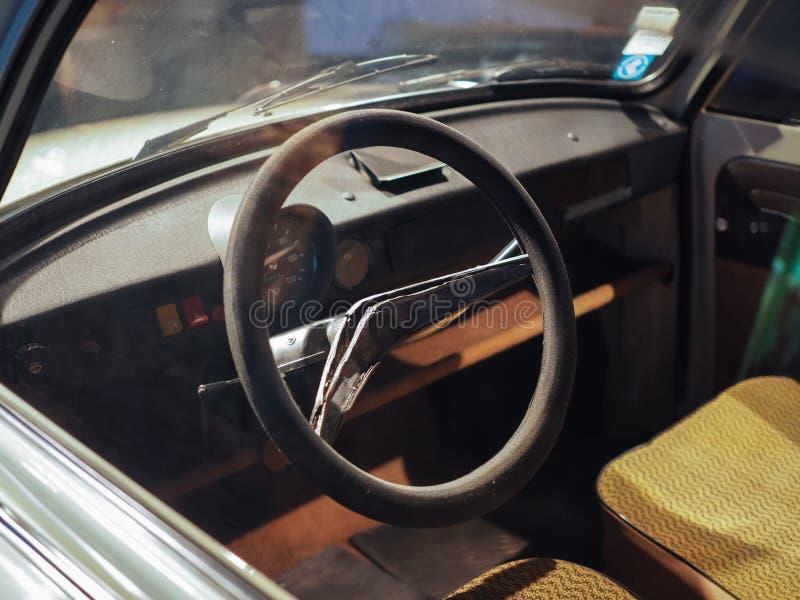 Oude auto's bij automuseum in Turijn royalty-vrije stock fotografie