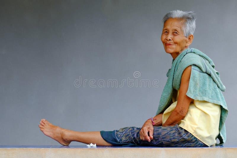 Oude Aziatische Vrouw royalty-vrije stock fotografie