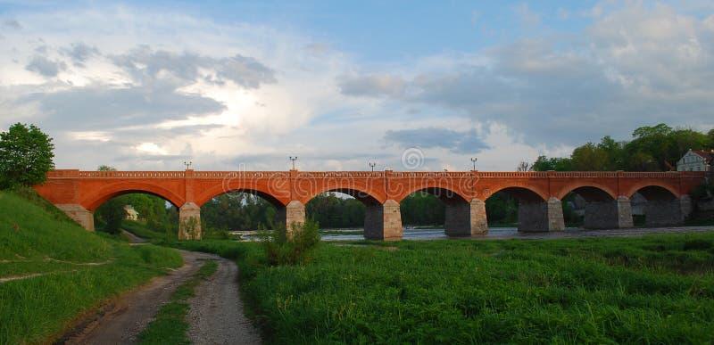 Oude baksteenbrug stock afbeeldingen