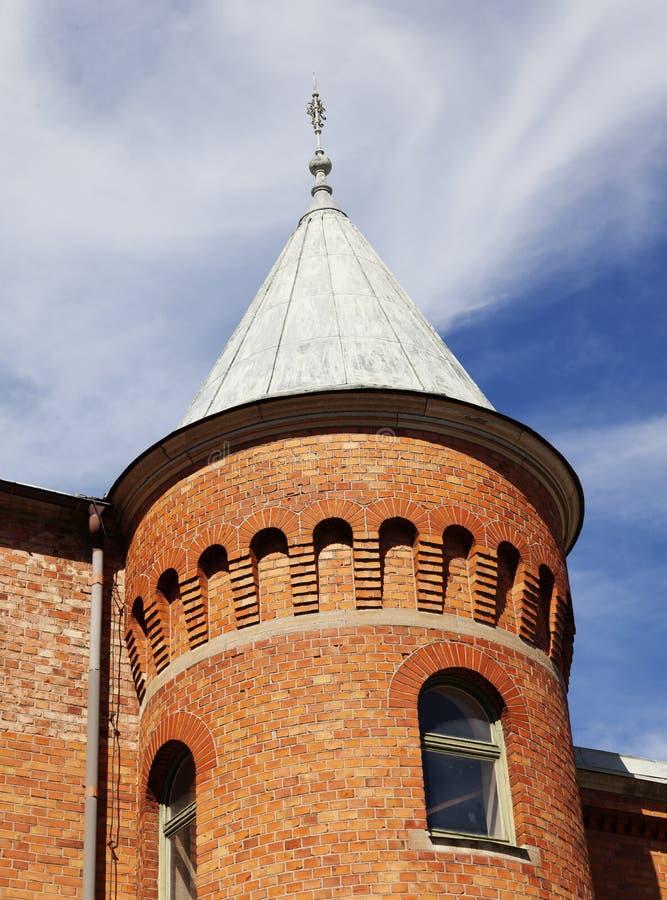 Oude baksteentoren in Umea-stadscentrum royalty-vrije stock afbeelding