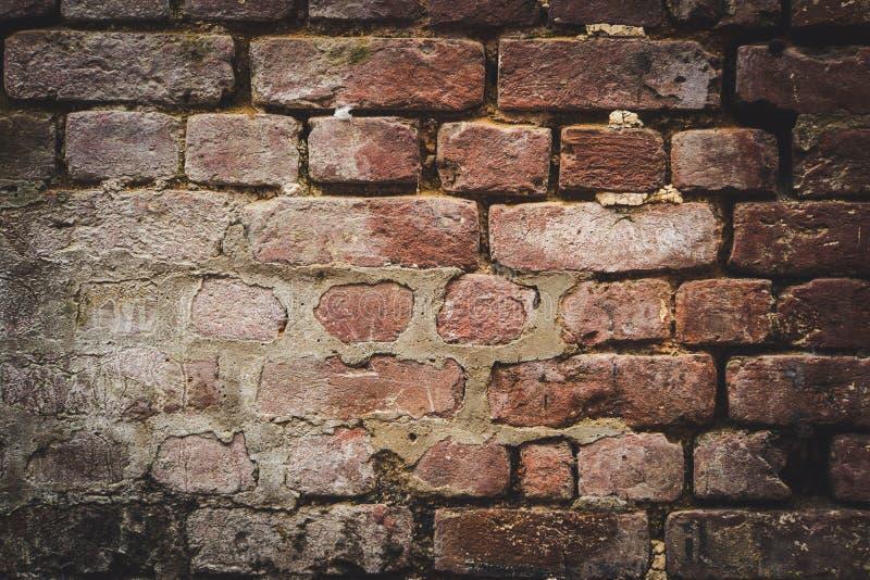 oude bakstenen muur voor textuur of achtergrond, stock fotografie