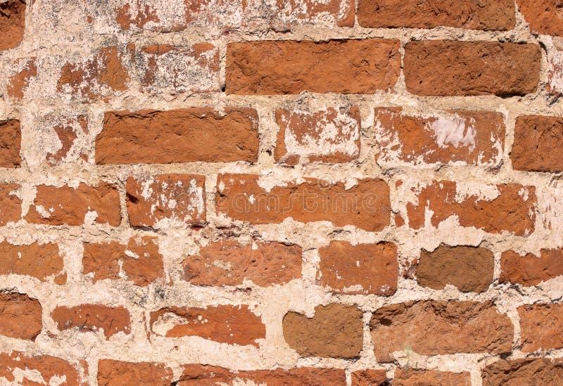 Oude bakstenen muurinstortingen, baksteenachtergrond royalty-vrije stock afbeeldingen