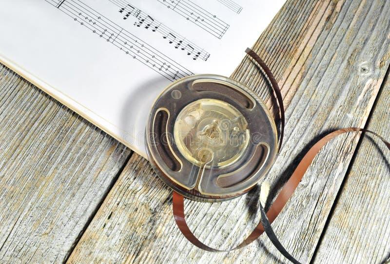 Oude band met muzieknota's royalty-vrije stock foto